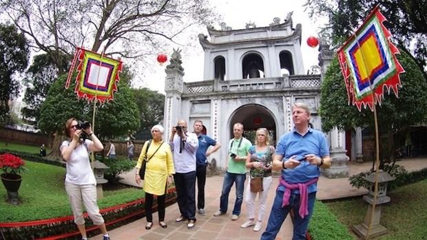 Hausse du nombre de touristes etrangers au Vietnam en dix mois hinh anh 1