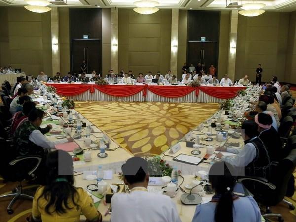 Le Myanmar envisage de tenir son premier dialogue politique national le mois prochain hinh anh 1