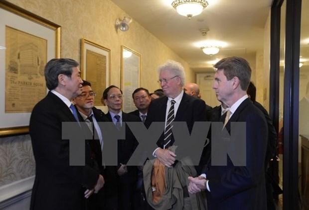 Le permanent du Secretariat du PCV Dinh The Huynh termine sa visite aux Etats-Unis hinh anh 1
