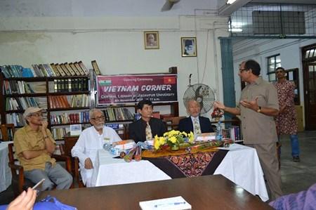 Les «coins des livres vietnamiens» s'ouvrent en Inde hinh anh 1