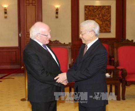 Des dirigeants vietnamiens recoivent le president irlandais hinh anh 1
