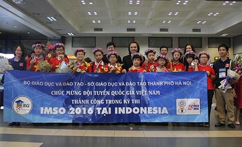 Le Vietnam brille aux Olympiades internationales de maths et des sciences hinh anh 1