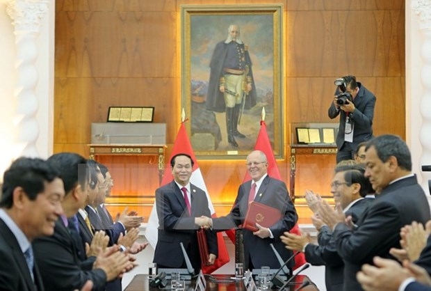 Le president Tran Dai Quang s'entretient avec son homologue peruvien hinh anh 2