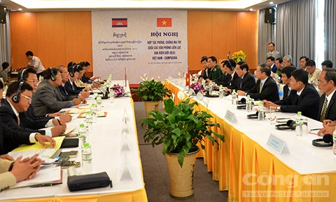 Vietnam-Cambodge : cooperation renforcee dans la prevention et la lutte anti-drogue hinh anh 1