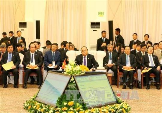Le PM Nguyen Xuan Phuc au 9eme sommet du triangle de developpement CLV hinh anh 1