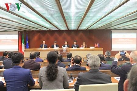 Le president Tran Dai Quang au forum des entreprises Vietnam-Italie hinh anh 1