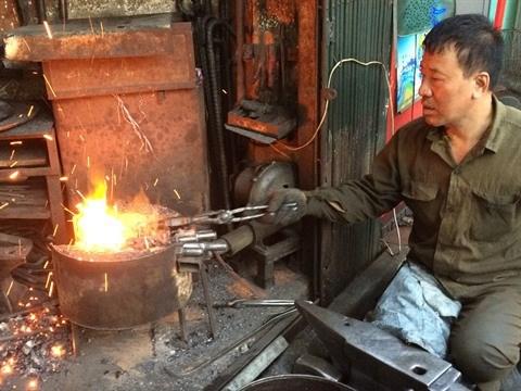 Le dernier forgeron du Vieux quartier de Hanoi hinh anh 1