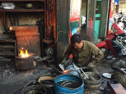 Le dernier forgeron du Vieux quartier de Hanoi hinh anh 2