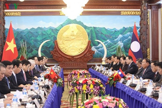 Approfondir les relations speciales Vietnam-Laos hinh anh 1