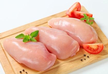 Le Vietnam va exporter de la viande de poulet au Japon a partir de 2017 hinh anh 1