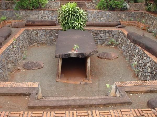 Un tombeau de 2.000 ans reconnu vestige national special hinh anh 1
