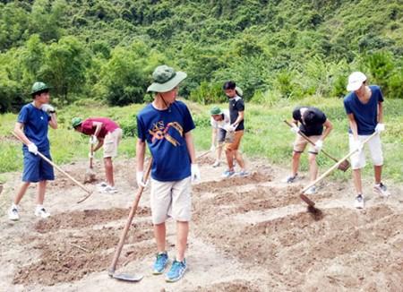 Eco-atelier, un club pour sensibiliser les jeunes a l'environnement hinh anh 1