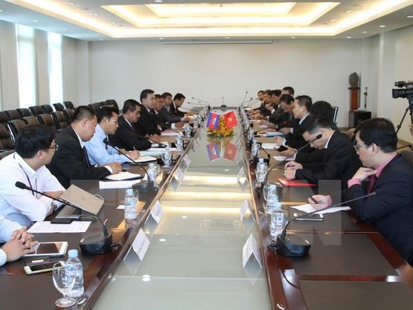 Le Vietnam et le Cambodge renforcent leur cooperation dans la connexion du transport hinh anh 1