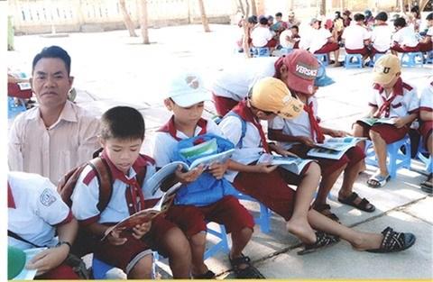 Phu Quy : une trentaine d'annees sur l'ile pour enseigner les eleves pauvres hinh anh 2
