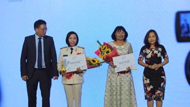 Des femmes scientifiques vietnamiennes honorees par l'Oreal-UNESCO hinh anh 1