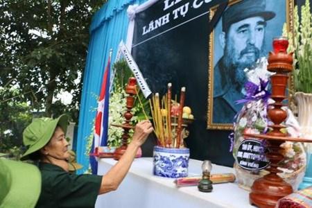 Le Vietnam observe un jour de deuil national en memoire de Fidel Castro hinh anh 1