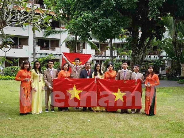 Six medailles pour le Vietnam aux Olympiades internationales des sciences juniors hinh anh 1