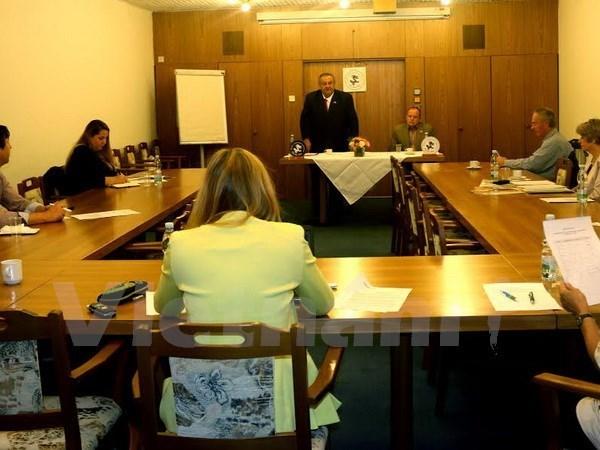 Marcel Winter reelu le president de l'Association Republique tcheque-Vietnam hinh anh 1