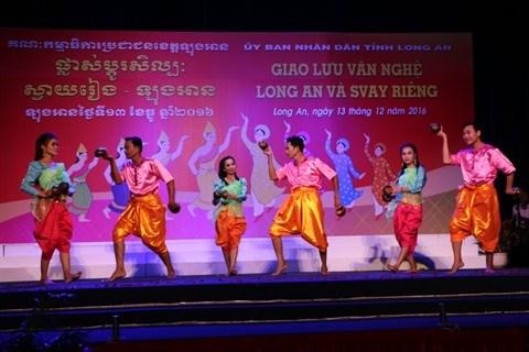 Echange artistique entre le Vietnam et le Cambodge hinh anh 1