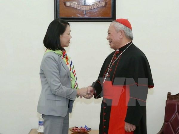 Une membre du BP formule ses vœux aux catholiques et protestants hinh anh 1