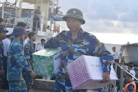 Plus de 500 tonnes de marchandises du Tet pour le district insulaire de Truong Sa hinh anh 1