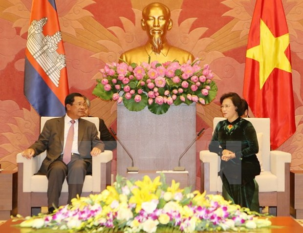 La presidente de l'AN vietnamienne plaide pour les liens Vietnam-Cambodge hinh anh 1