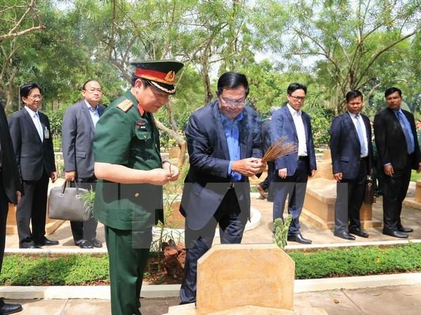 Le Premier ministre cambodgien se rend au vestige historique de l'Unite 125 a Dong Nai hinh anh 1