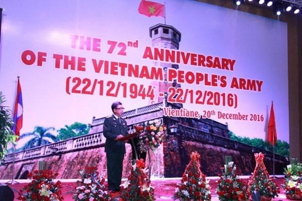 Celebration au Laos des 72 ans de la fondation de l'Armee populaire du Vietnam hinh anh 1