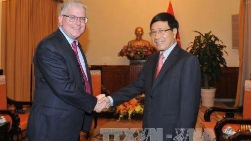 Le vice-PM Pham Binh Minh recoit le nouvel Ambassadeur de l'Australie hinh anh 1