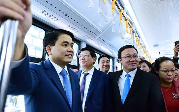 Hanoi : Inauguration de la premiere ligne de bus BRT Kim Ma - Yen Nghia hinh anh 2