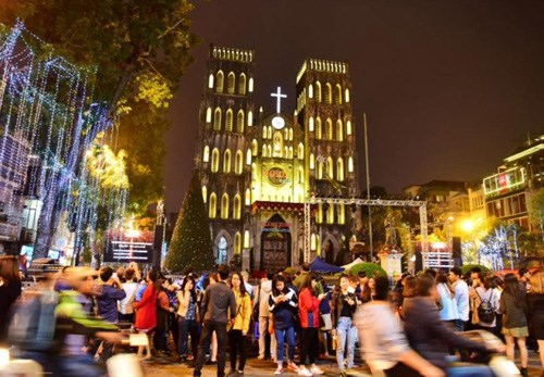Les cloches plutot que les feux d'artifice pour accueillir le Tet a Hanoi hinh anh 1
