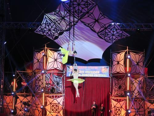 Le Vietnam triomphe au Festival international du cirque a Rome hinh anh 1