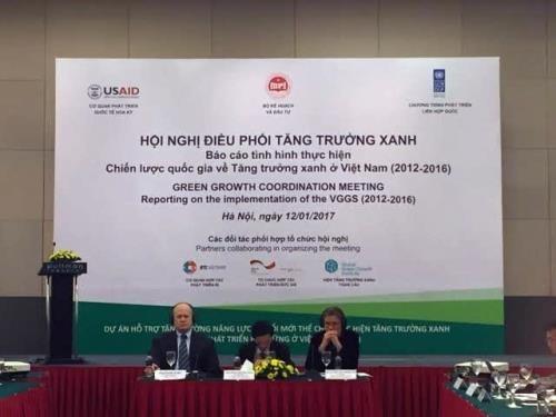 Le Vietnam agit pour accelerer la croissance verte hinh anh 1