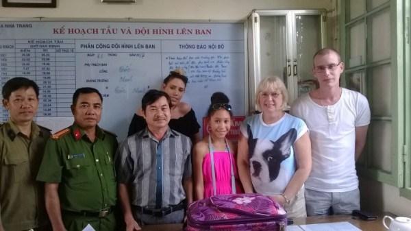 Un touriste britannique recoit des biens oublies dans un train du Vietnam hinh anh 2