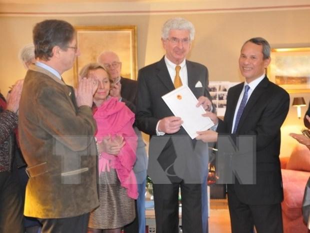 Un citoyen belge poursuit son role de consul honoraire du Vietnam hinh anh 1