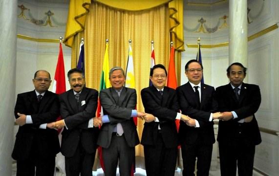 Vers l'approfondissement de la cooperation entre l'ASEAN et l'Italie hinh anh 1