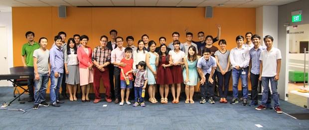 L'association Dong-Hanh a Singapour octroie 36 bourses d'etude a des etudiants vietnamiens hinh anh 1