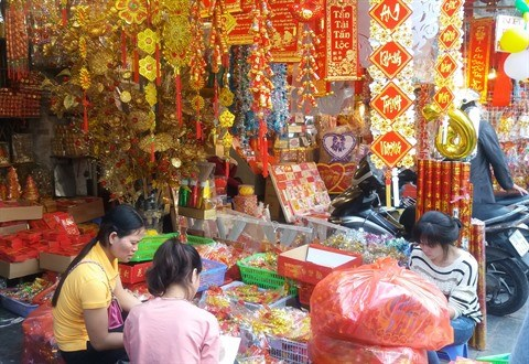 Flanerie dans les rues des objets de decoration hinh anh 1