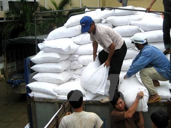 Tet traditionnel : le gouvernement accorde plus de 1.700 tonnes de riz a deux localites hinh anh 1