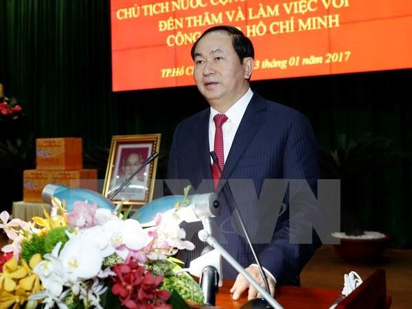 Le president travaille avec la 7eme zone militaire et la police de Ho Chi Minh-Ville hinh anh 1