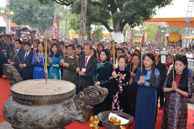 Celebration du 1977e anniversaire de l'insurrection des deux Soeurs Trung hinh anh 1