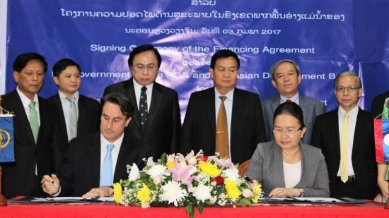 La BAD soutient la securite sanitaire au Laos et dans la region du Mekong hinh anh 1