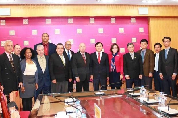 Cooperation Vietnam-Cuba dans la construction et le transport hinh anh 1