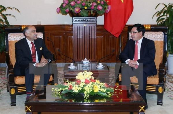 Le vice-Premier ministre Pham Binh Minh recoit l'ambassadeur de l'Inde au Vietnam hinh anh 1