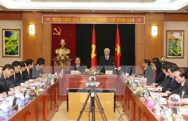 La Commission centrale de l'economie invitee a bien jouer son role de stratege hinh anh 1