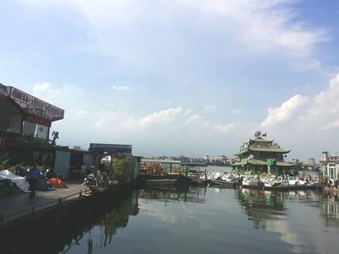 Hanoi interdit les activites commerciales sur le lac de l'Ouest hinh anh 1