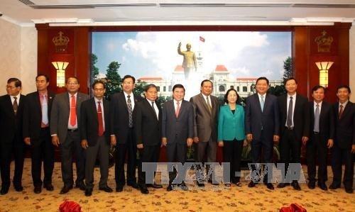 Ho Chi Minh-Ville prete a aider Champassak dans le developpement des biotechnologies hinh anh 1