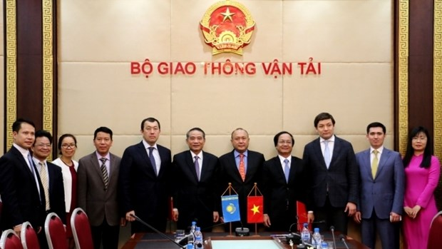 Vietnam - Kazakhstan : Renforcer la cooperation dans le secteur ferroviaire hinh anh 1