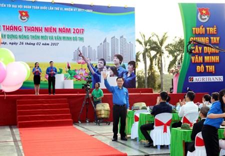 Le vice-Premier ministre Vuong Dinh Hue a la ceremonie de lancement du Mois des Jeunes hinh anh 1