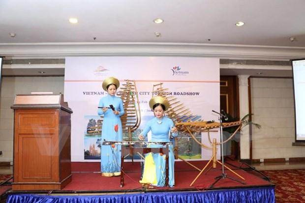 Presentation des potentiels touristiques du Vietnam et de HCM-Ville en Inde hinh anh 1